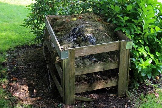 how-to-create-ah-homemade-compost-bin.jpg